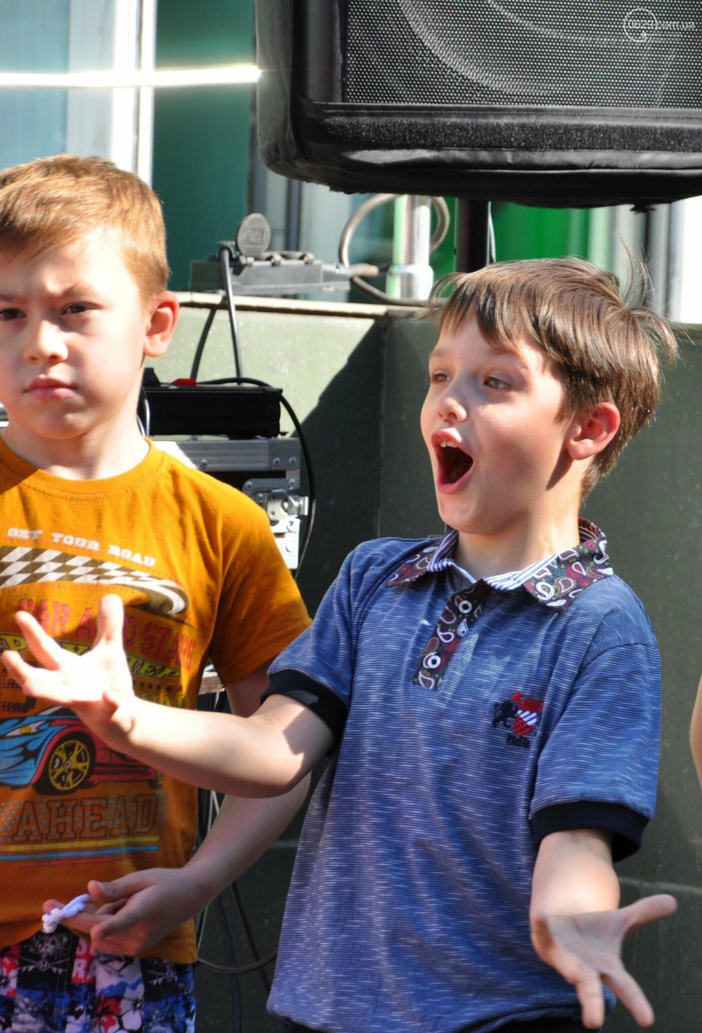 В аптеке «Азовфарм» провели праздник для детей и разыграли призы, фото-20