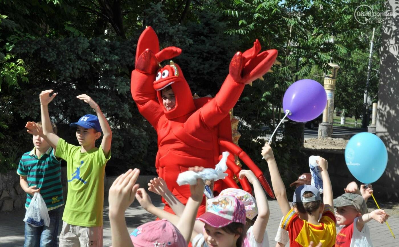 В аптеке «Азовфарм» провели праздник для детей и разыграли призы, фото-22
