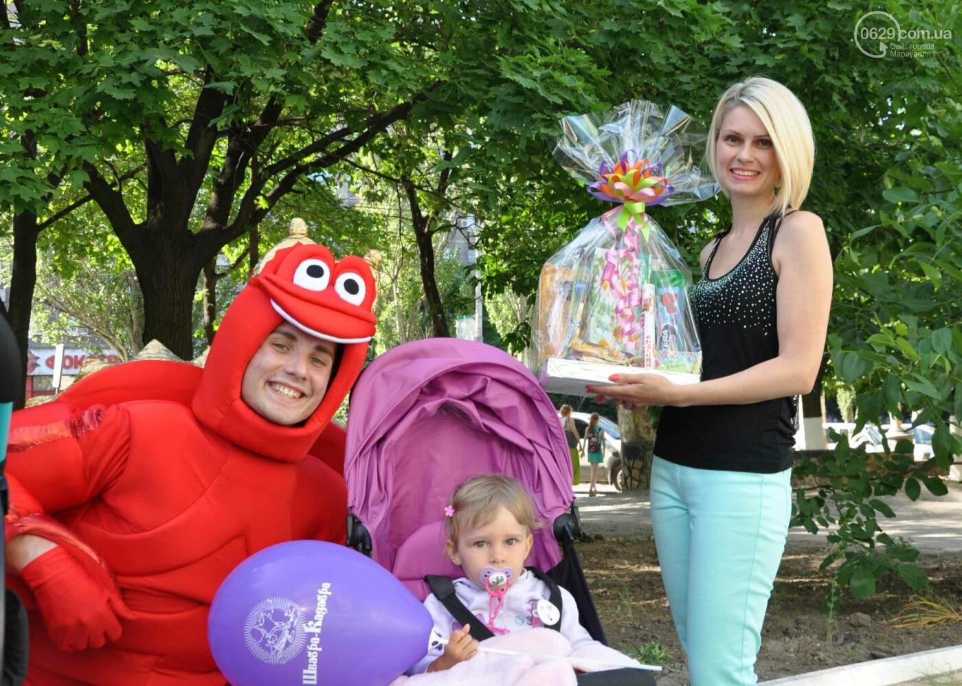 В аптеке «Азовфарм» провели праздник для детей и разыграли призы, фото-31