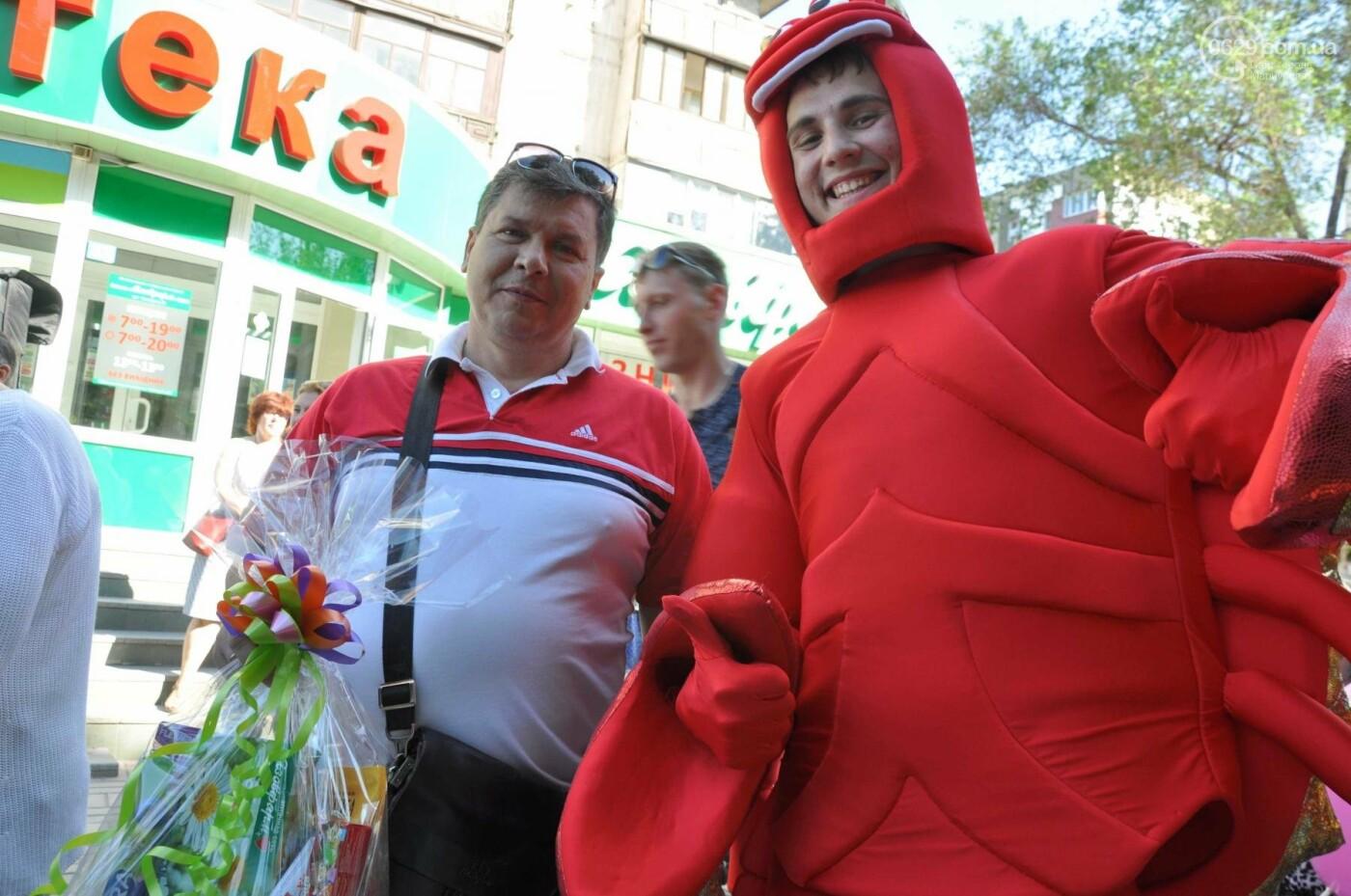 В аптеке «Азовфарм» провели праздник для детей и разыграли призы, фото-33