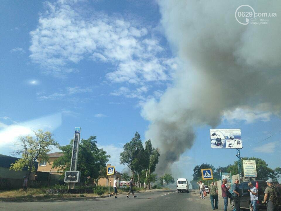 Под Мариуполем горит здание СТО, - ФОТО, ВИДЕО, фото-13