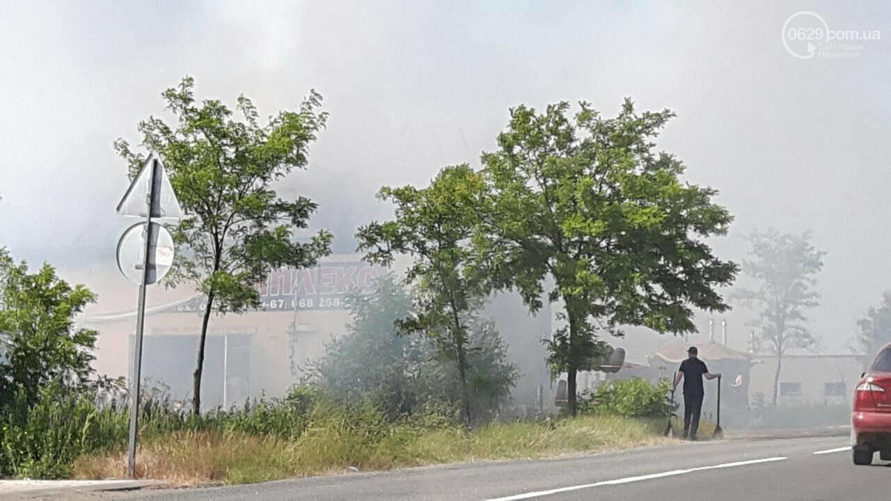 Под Мариуполем горит здание СТО, - ФОТО, ВИДЕО, фото-8