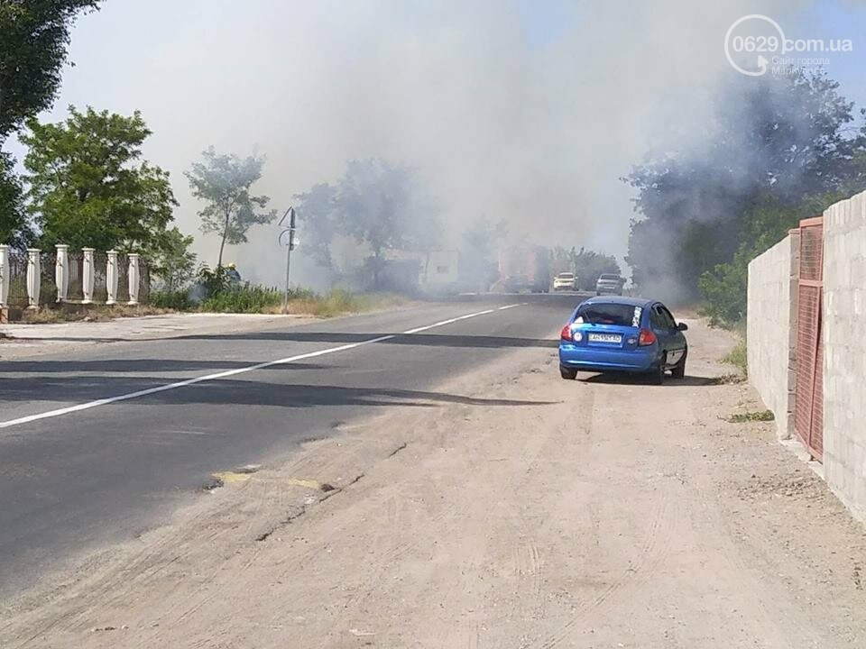 Под Мариуполем горит здание СТО, - ФОТО, ВИДЕО, фото-15