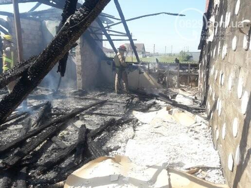 Под Мариуполем горит здание СТО, - ФОТО, ВИДЕО, фото-1