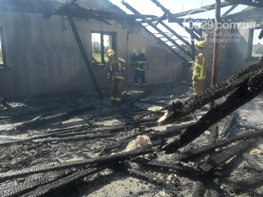 Под Мариуполем горит здание СТО, - ФОТО, ВИДЕО, фото-4
