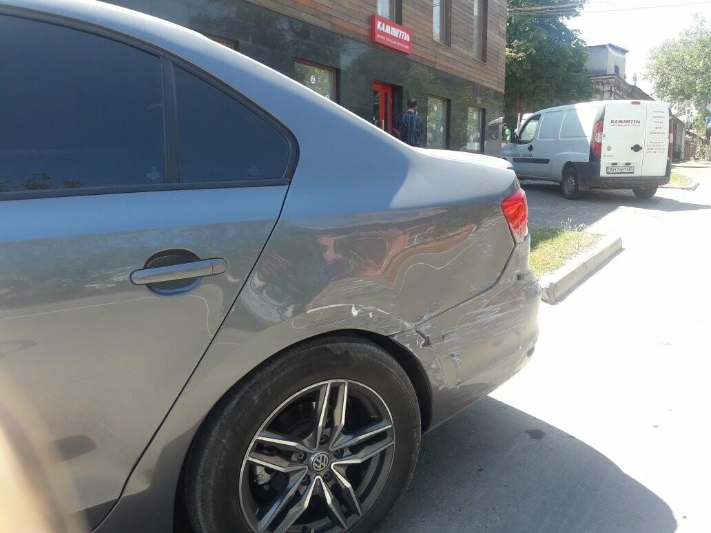В центре Мариуполя перевернулся грузовик,- ВИДЕО, ФОТО, фото-3