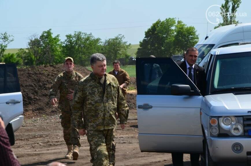 Визит Порошенко в Мариуполь, ММКИ обещает реконструкцию аглофабрики и фан-зона Евро-2012 для мариупольских заключенных. О чем писал 0629.c..., фото-6