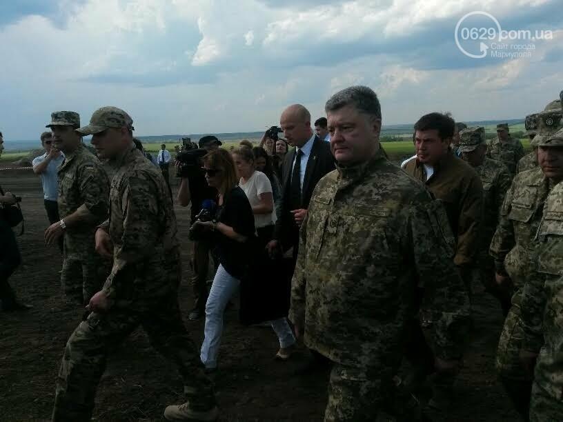Визит Порошенко в Мариуполь, ММКИ обещает реконструкцию аглофабрики и фан-зона Евро-2012 для мариупольских заключенных. О чем писал 0629.c..., фото-1