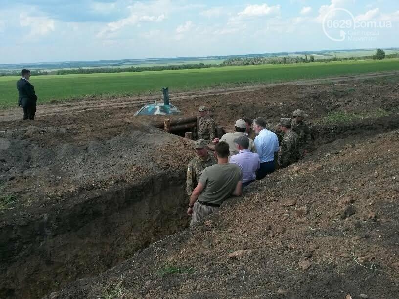 Визит Порошенко в Мариуполь, ММКИ обещает реконструкцию аглофабрики и фан-зона Евро-2012 для мариупольских заключенных. О чем писал 0629.c..., фото-9