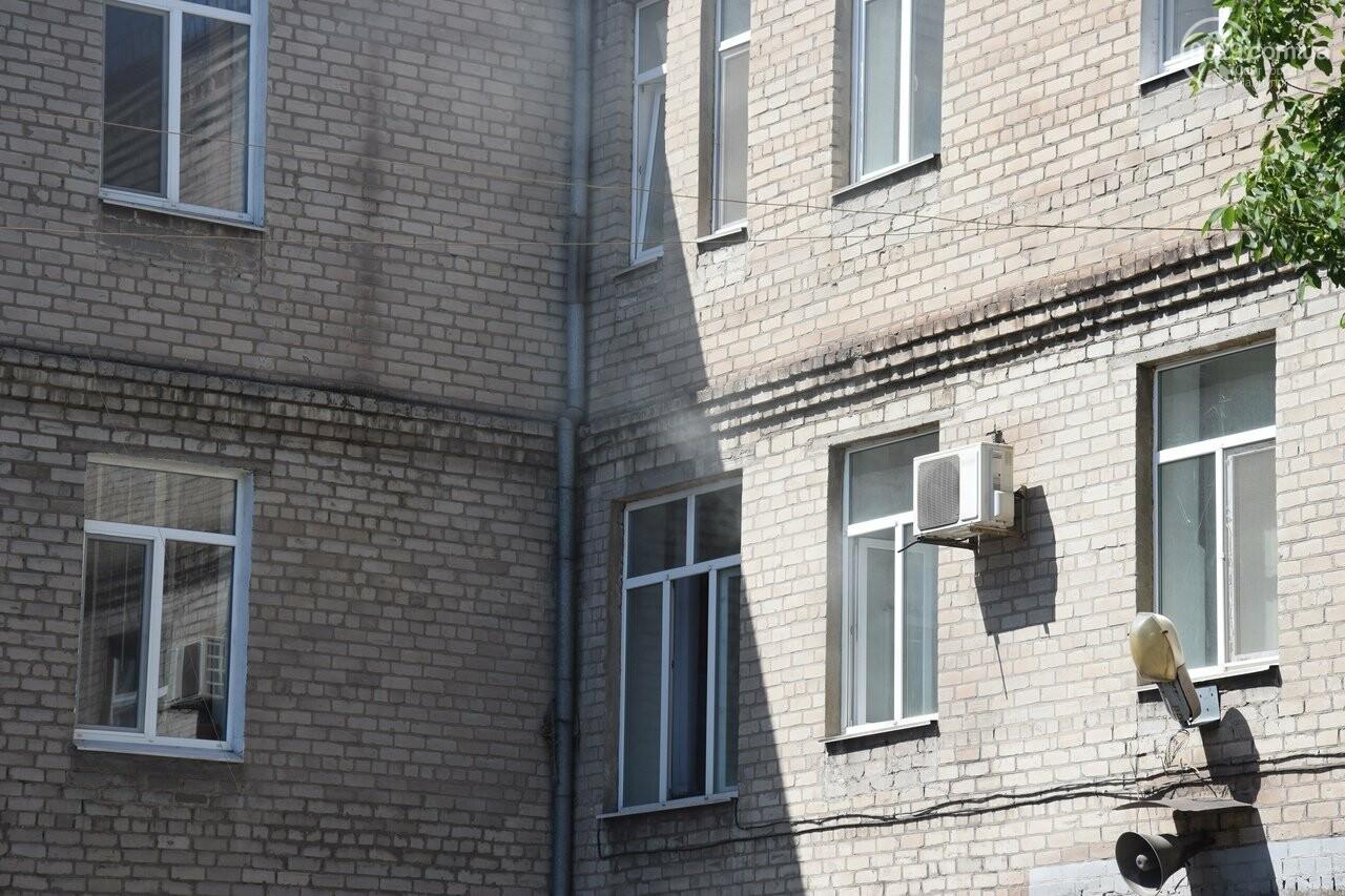 """Дым, грим и эвакуация: в здании мариупольской """"скорой"""" случился """"пожар"""", - ФОТО, ВИДЕО, фото-3"""