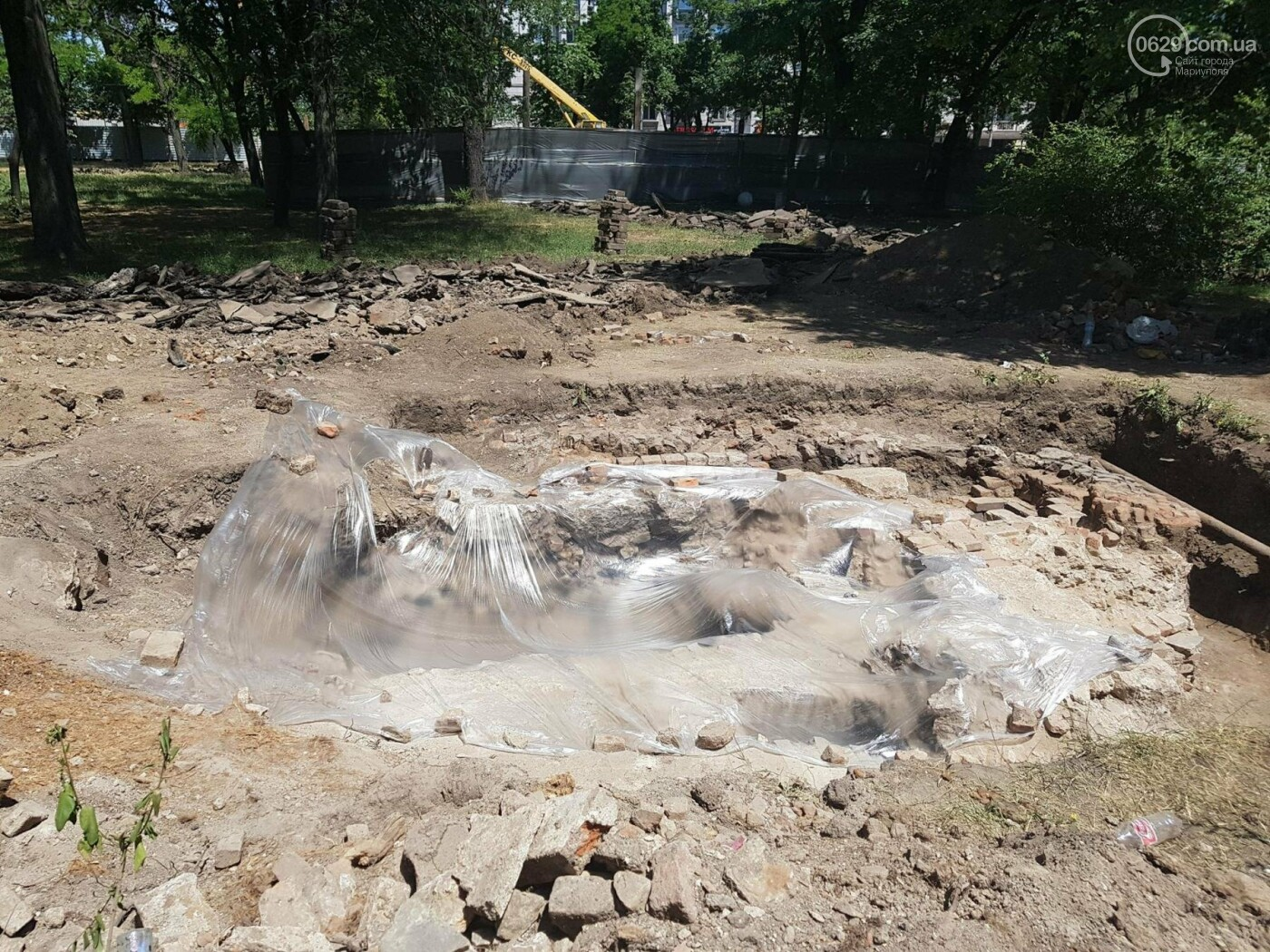 Историк: Остатки храмового комплекса в центре Мариуполя не имеют археологической ценности, - ФОТО, ВИДЕО, фото-7