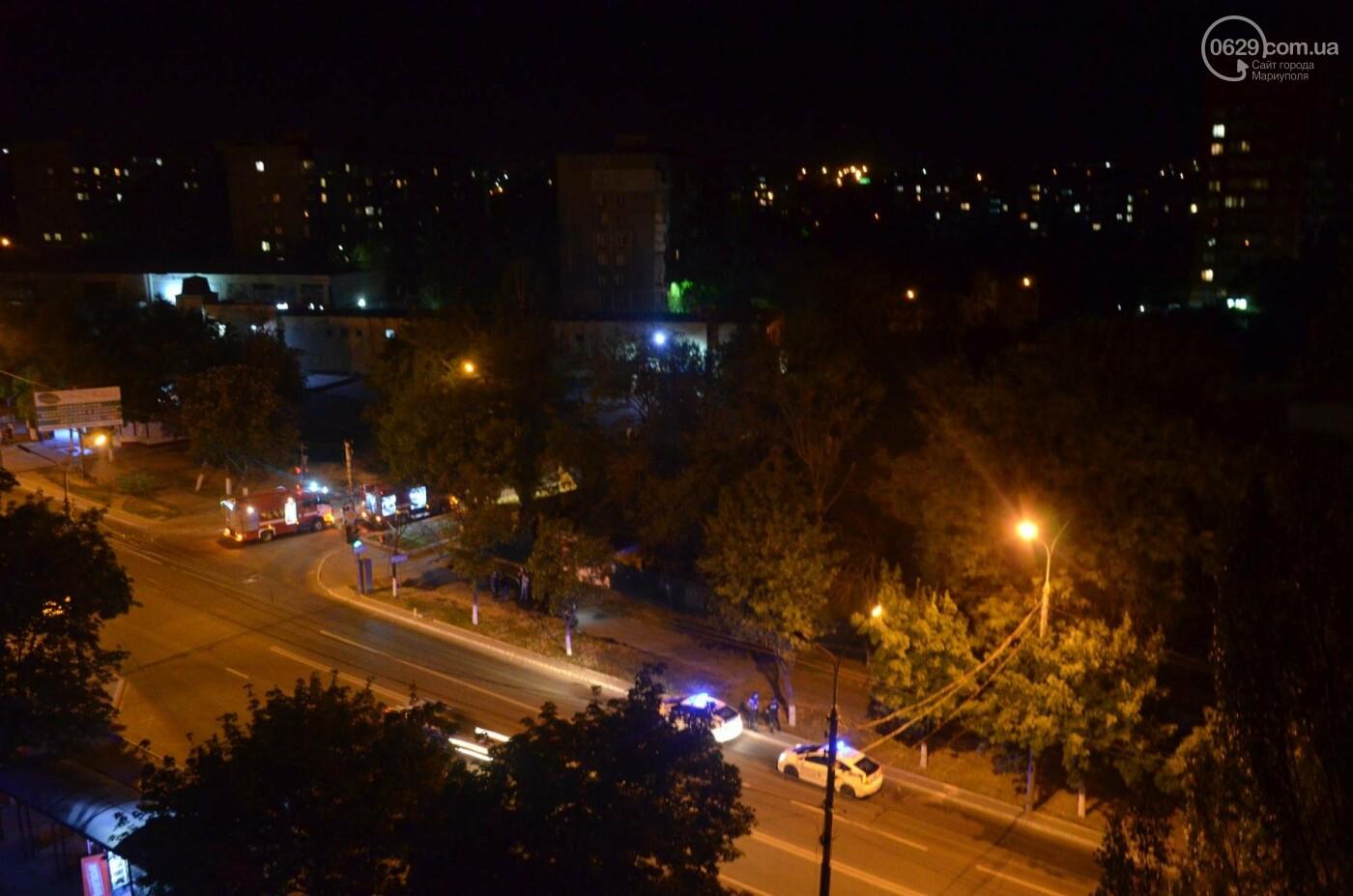 В Мариуполе на заброшенном хлебозаводе горел хлебный киоск, - ФОТО, ВИДЕО, фото-3