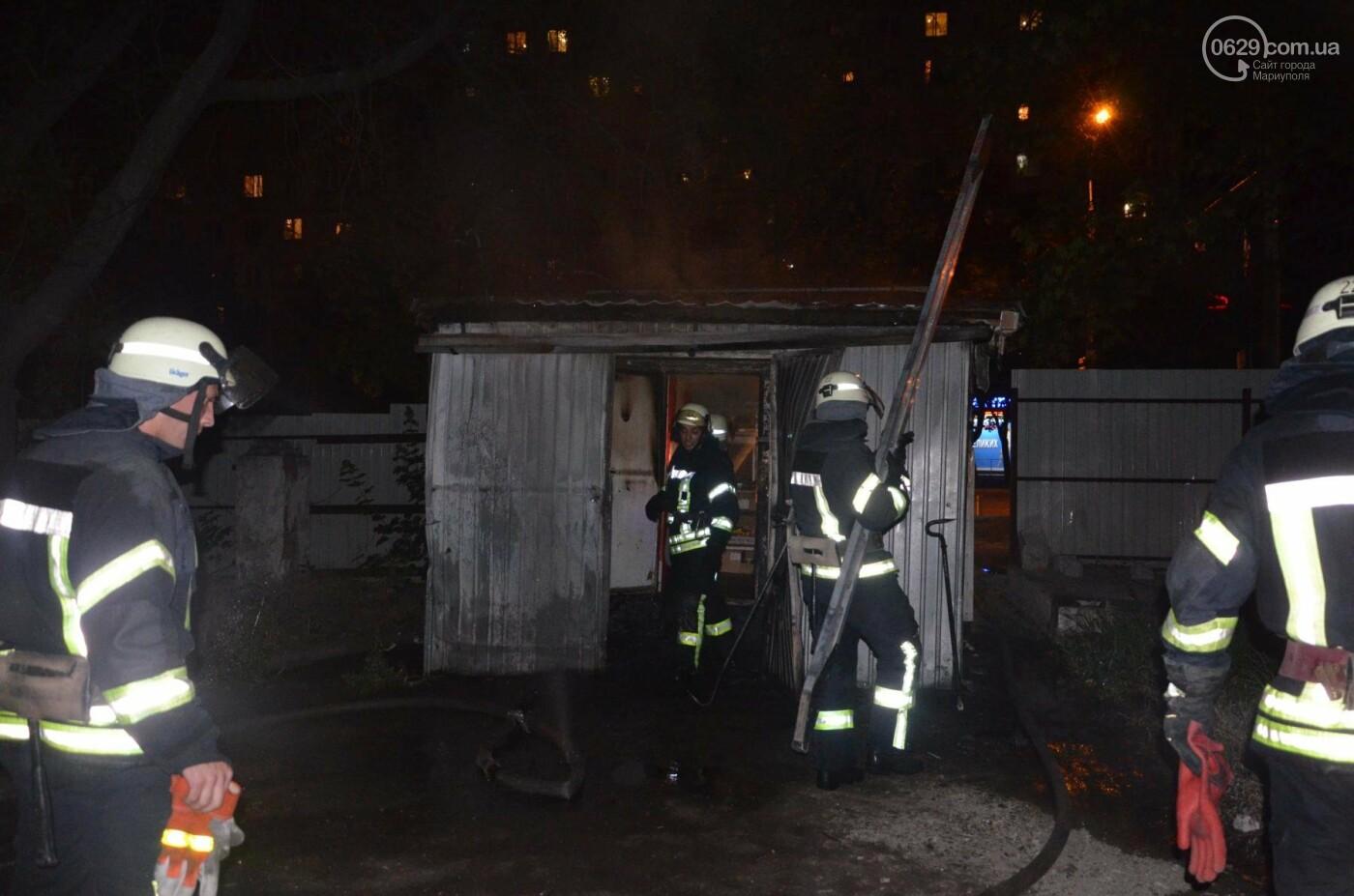 В Мариуполе на заброшенном хлебозаводе горел хлебный киоск, - ФОТО, ВИДЕО, фото-4