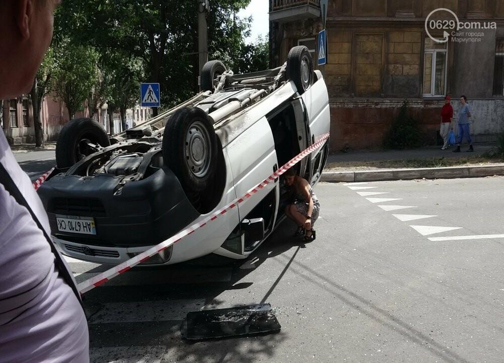 В Мариуполе перевернулся микроавтобус с жителями неподконтрольной территории, - ФОТО, ВИДЕО, фото-12