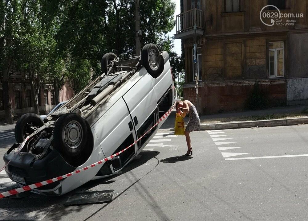 В Мариуполе перевернулся микроавтобус с жителями неподконтрольной территории, - ФОТО, ВИДЕО, фото-13