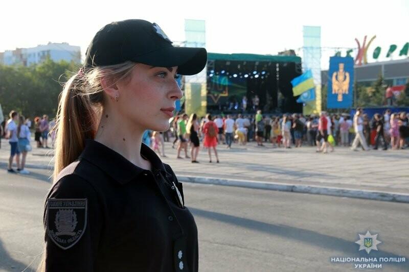 Мариуполь отпраздновал годовщину освобождения без нарушений общественного порядка, - ФОТО, фото-1