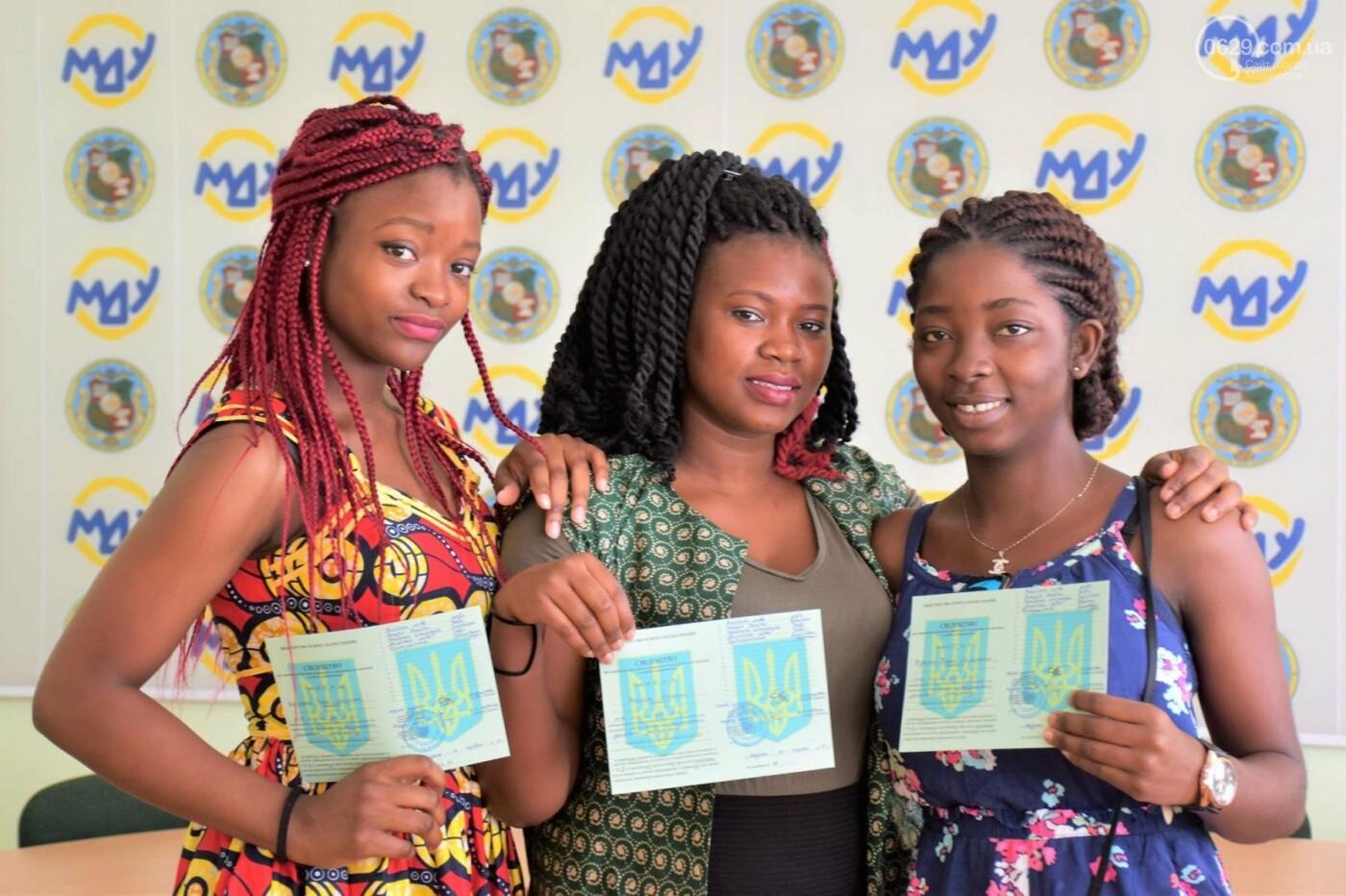 Студенты из Гвинеи и Камеруна отпраздновали окончание подготовительного отделения МГУ,- ФОТО, фото-7