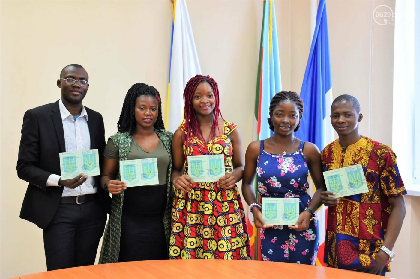 Студенты из Гвинеи и Камеруна отпраздновали окончание подготовительного отделения МГУ,- ФОТО, фото-6