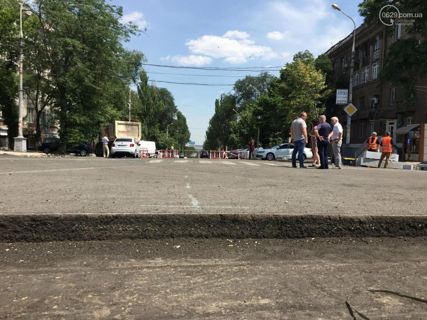 Дорога вокруг мариупольского драмтеатра будет закрыта еще минимум три недели, -ФОТО, ВИДЕО, фото-2