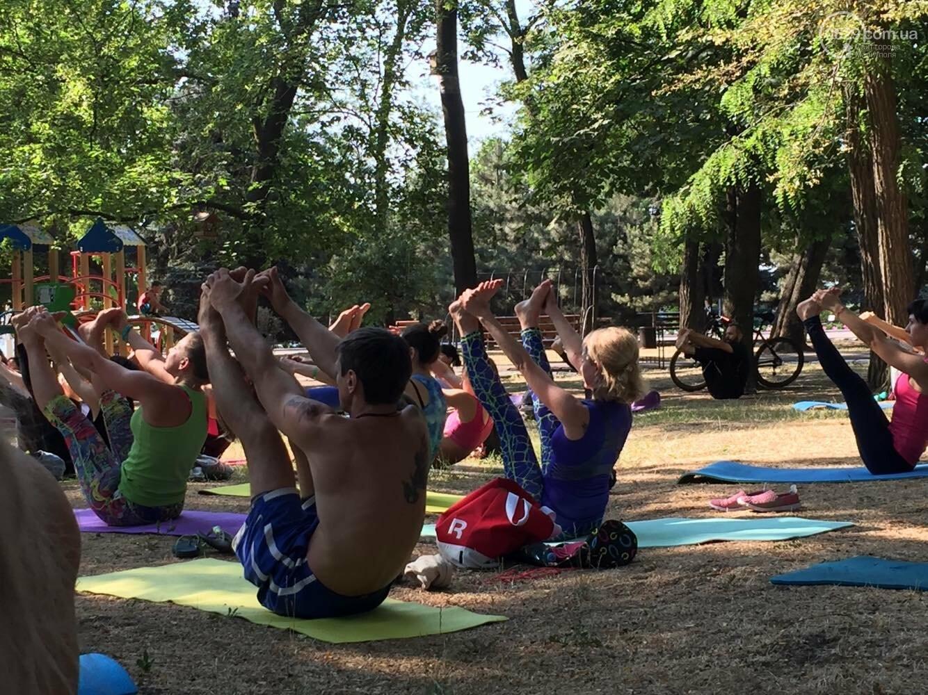 В Мариуполе отпраздновали Международный День йоги, - ФОТО, ВИДЕО, фото-6