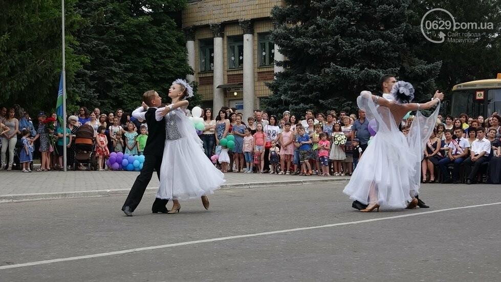 В Никольском районе отметили выпускной в вышиванках, с парадом и фейерверком, - ФОТОРЕПОРТАЖ, фото-16