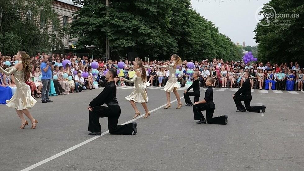 В Никольском районе отметили выпускной в вышиванках, с парадом и фейерверком, - ФОТОРЕПОРТАЖ, фото-35
