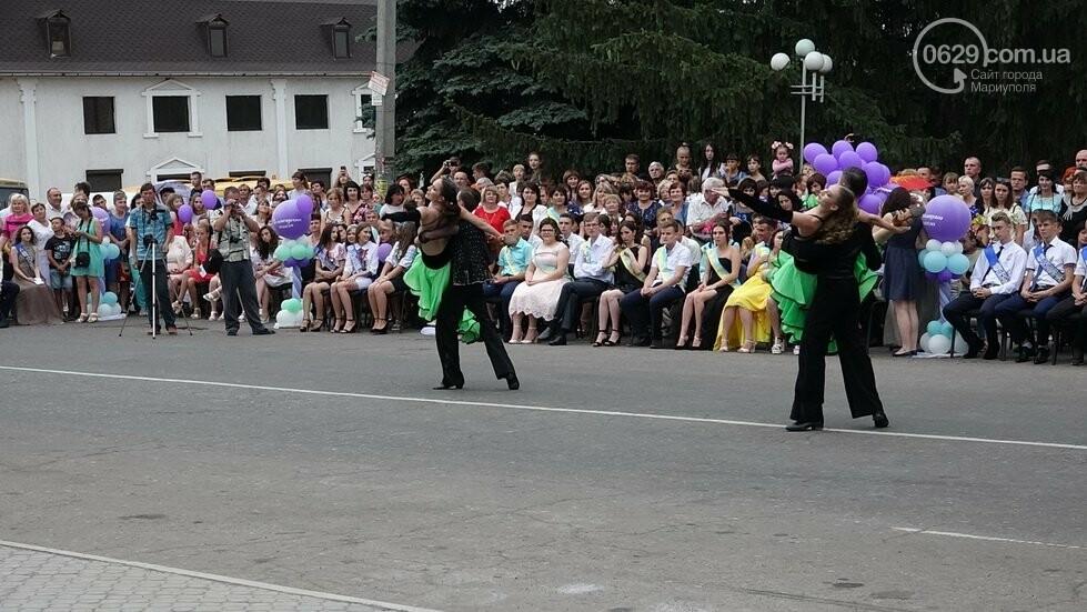 В Никольском районе отметили выпускной в вышиванках, с парадом и фейерверком, - ФОТОРЕПОРТАЖ, фото-36