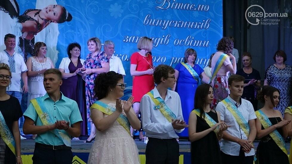 В Никольском районе отметили выпускной в вышиванках, с парадом и фейерверком, - ФОТОРЕПОРТАЖ, фото-38