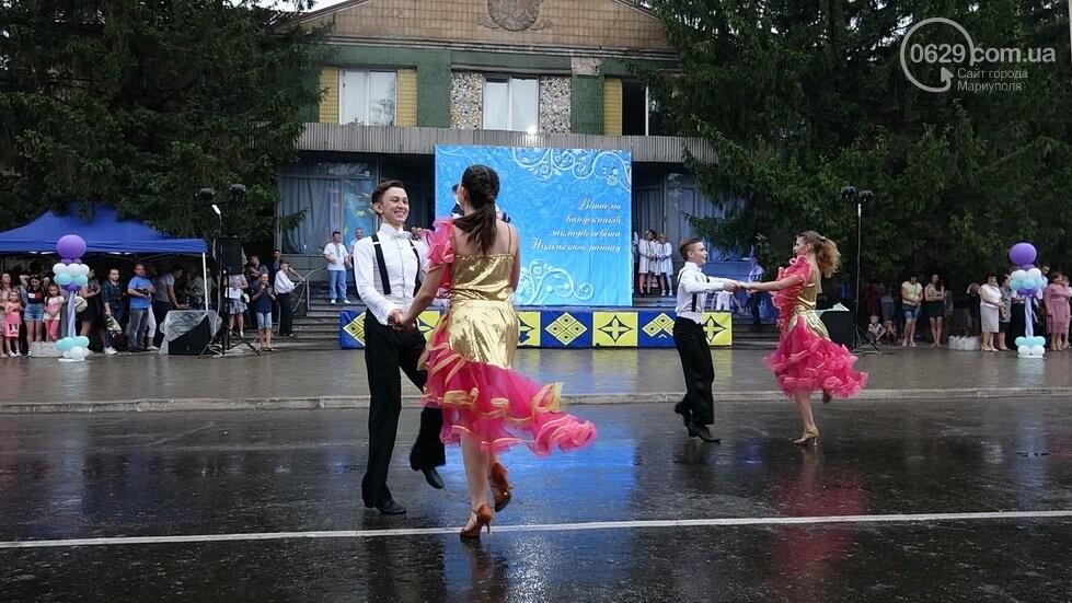 В Никольском районе отметили выпускной в вышиванках, с парадом и фейерверком, - ФОТОРЕПОРТАЖ, фото-41