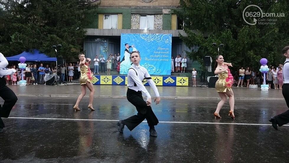 В Никольском районе отметили выпускной в вышиванках, с парадом и фейерверком, - ФОТОРЕПОРТАЖ, фото-43