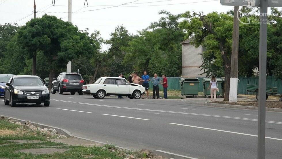 В Мариуполе не разминулись два автомобиля, - ФОТО, фото-3