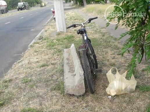 На главном проспекте Мариуполя умер велосипедист, - ФОТО, фото-4