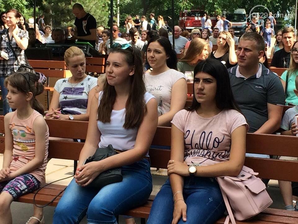 Сделали погромче! В Мариуполе  с размахом отпраздновали День молодежи, - ФОТО, ВИДЕО, фото-3