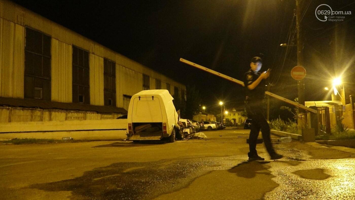 """Смертельное ДТП в Мариуполе: """"Таврия"""" врезалась в бетонное ограждение и загорелась, - ФОТО, ВИДЕО, 18+, фото-4"""