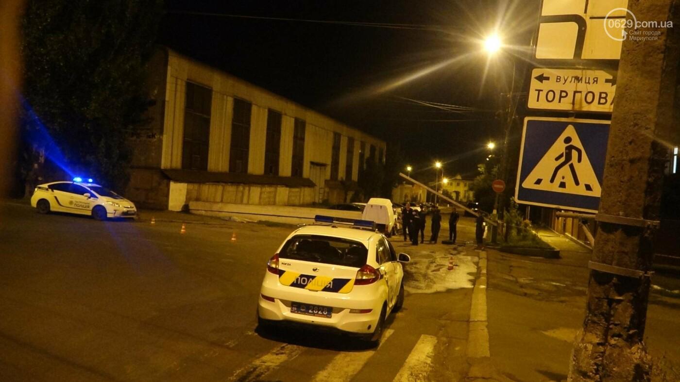 """Смертельное ДТП в Мариуполе: """"Таврия"""" врезалась в бетонное ограждение и загорелась, - ФОТО, ВИДЕО, 18+, фото-12"""