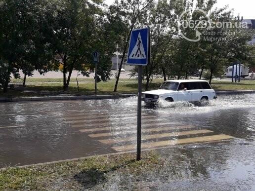 В Мариуполе канализационные стоки затопили дорогу. Стоит жуткая вонь,- ФОТО, фото-6