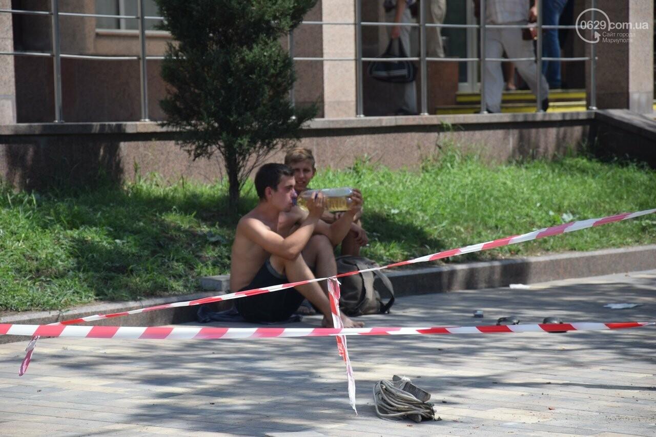 """""""Соскребли, как смогли"""". Как в Мариуполе центр города реконструируют, - ФОТОРЕПОРТАЖ, фото-22"""