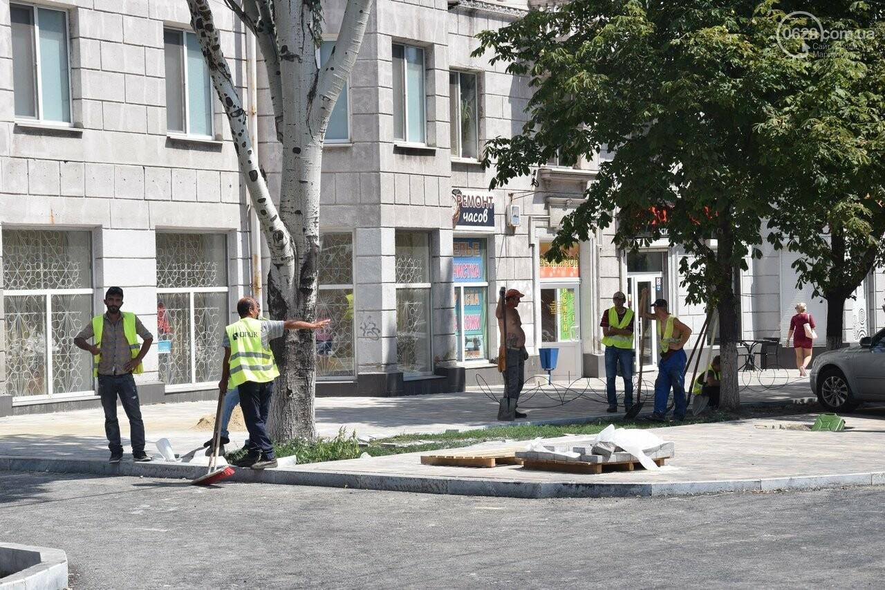 """""""Соскребли, как смогли"""". Как в Мариуполе центр города реконструируют, - ФОТОРЕПОРТАЖ, фото-53"""