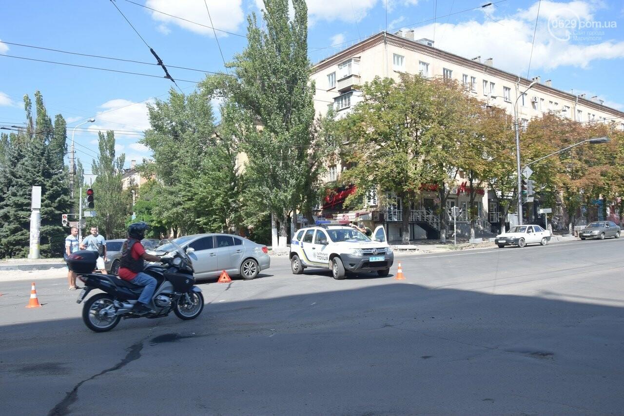 В Мариуполе иномарка столкнулась с автомобилем газовой службы, спешившим на пожар, - ФОТО, ВИДЕО, фото-7
