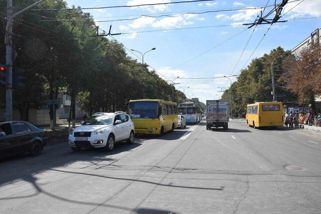 В Мариуполе иномарка столкнулась с автомобилем газовой службы, спешившим на пожар, - ФОТО, ВИДЕО, фото-3