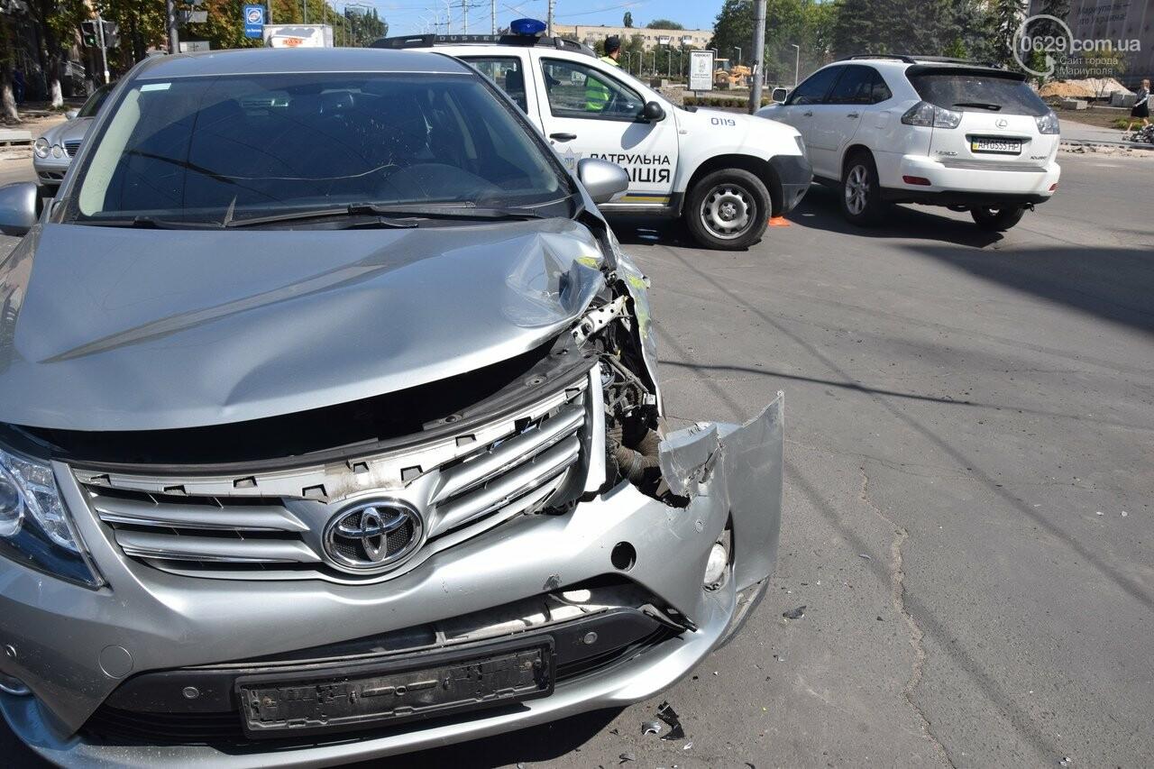 В Мариуполе иномарка столкнулась с автомобилем газовой службы, спешившим на пожар, - ФОТО, ВИДЕО, фото-4