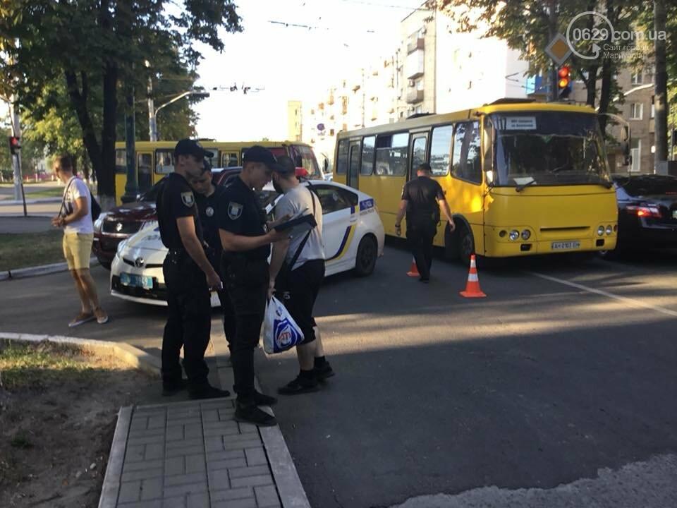 """""""Обоих снес, как так и надо"""":18-летний водитель на """"Сузуки"""" сбил двух пешеходов, - ФОТО, ВИДЕО, фото-2"""