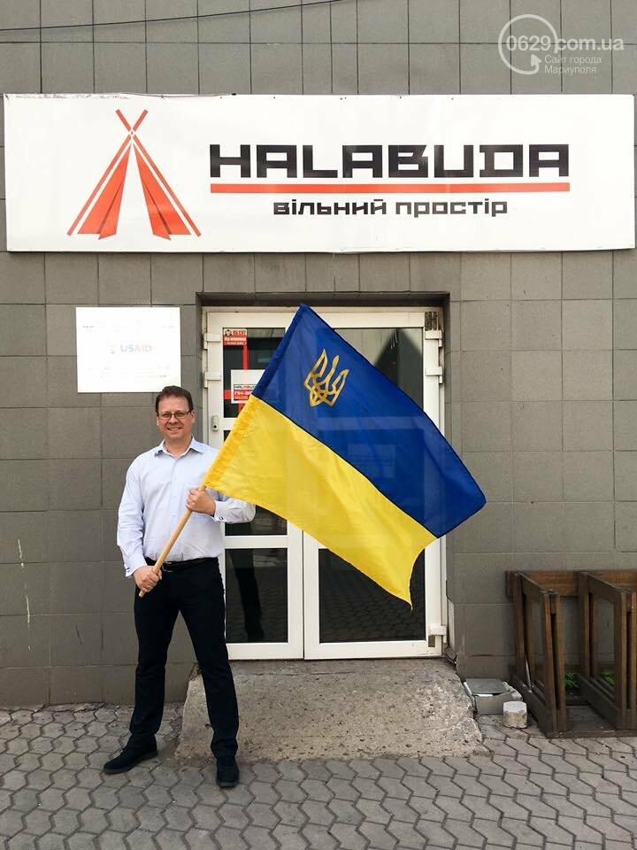 В Мариуполе набирает обороты челендж ко Дню флага и Дню независимости Украины, - ФОТО, фото-10
