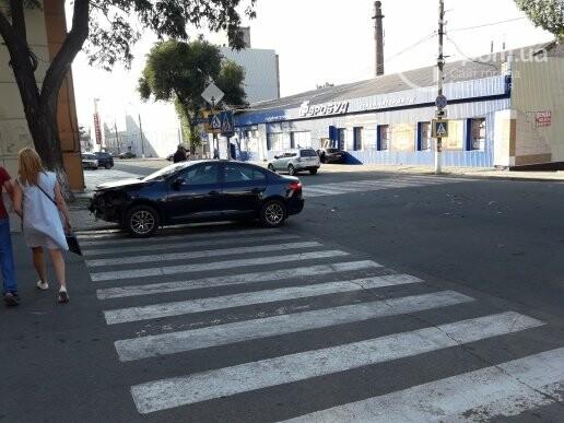 В Мариуполе автомобиль  влетел в магазин,- ФОТО, фото-2