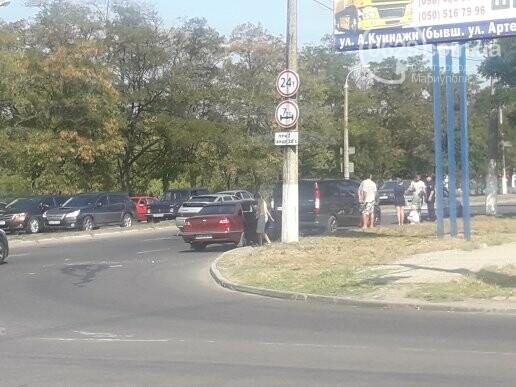 В Мариуполе не разминулись микроавтобус Mercedes и Daewoo, - ФОТО, фото-1