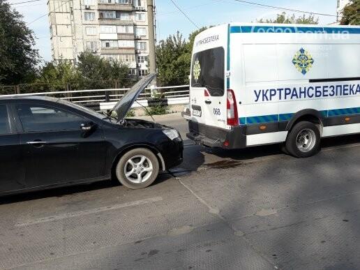 """В Мариуполе девушка на """"Джили"""" протаранила автобус """"Укртрансбезпеки"""", - ФОТО, ВИДЕО, фото-3"""