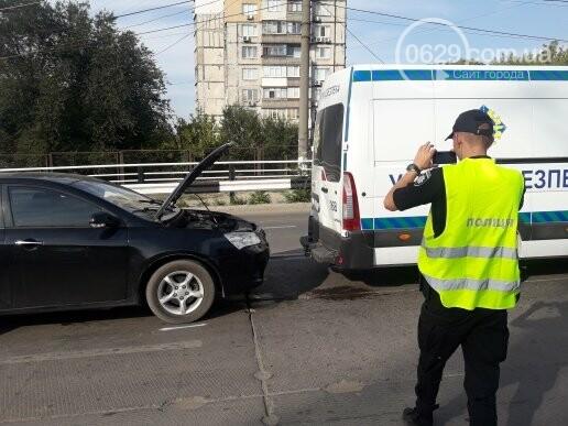 """В Мариуполе девушка на """"Джили"""" протаранила автобус """"Укртрансбезпеки"""", - ФОТО, ВИДЕО, фото-4"""