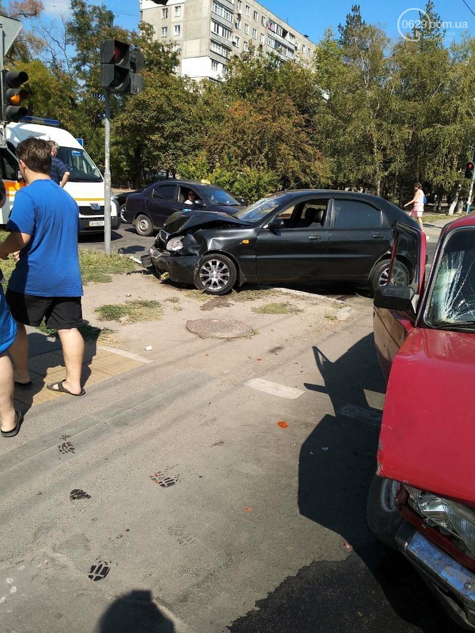В Мариуполе в ДТП пострадала женщина, - ФОТО, фото-1