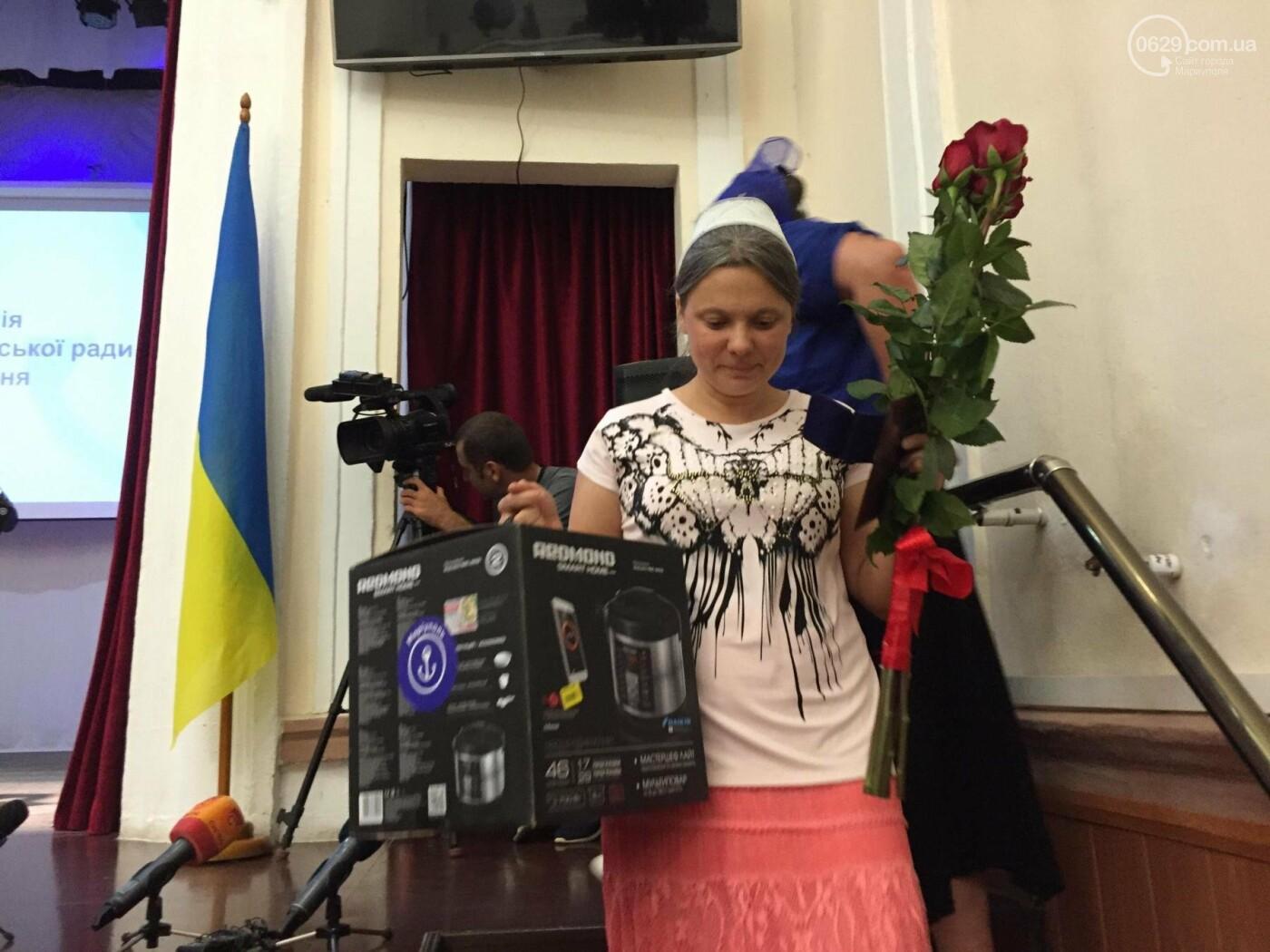 """В Мариуполе 8 женщин удостоились звания """"Мать-героиня"""", - ФОТО, ВИДЕО, фото-4"""