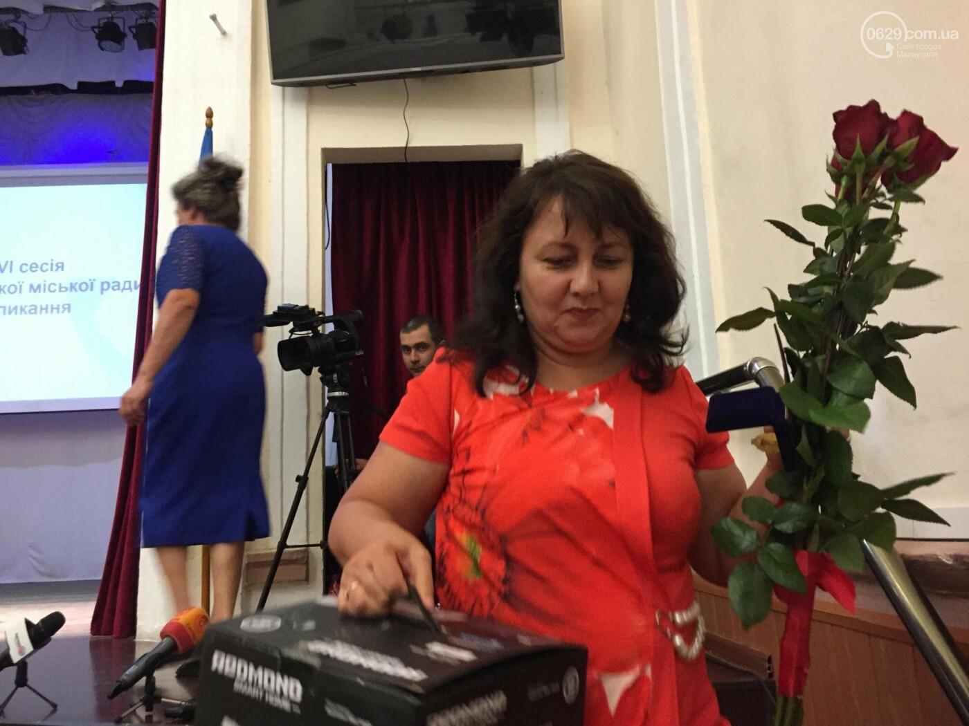 """В Мариуполе 8 женщин удостоились звания """"Мать-героиня"""", - ФОТО, ВИДЕО, фото-5"""